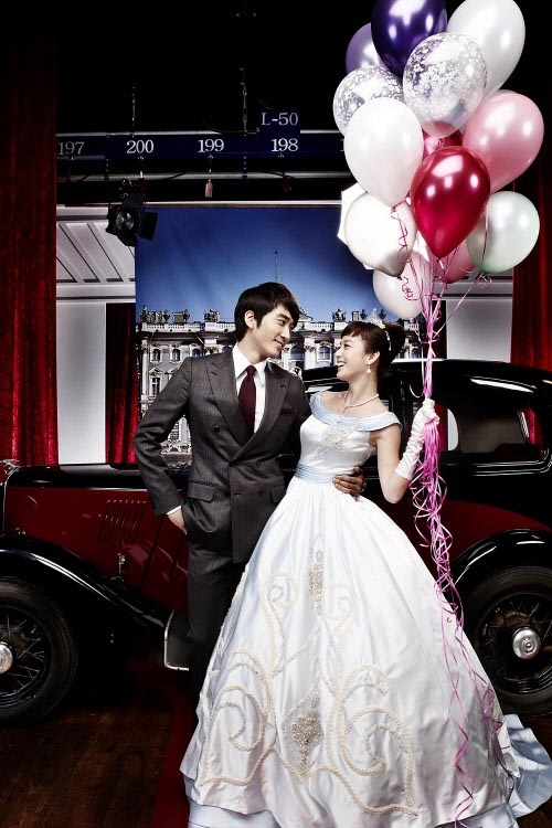 "Song Seung Hun and Kim Tae Hee Pose for ""My Princess"""