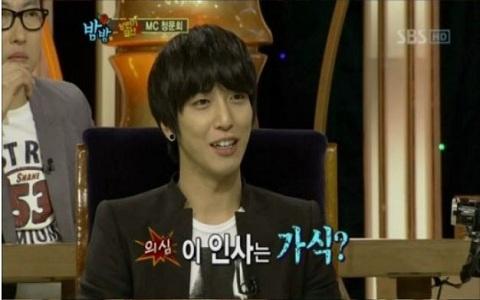 Former H.O.T. Member Jang Woo Hyuk Confronts CNBlue's Jung Yong Hwa