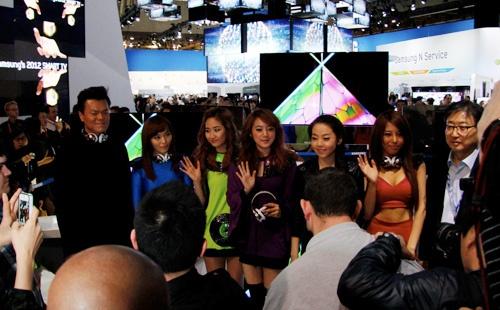 Wonder Girls Appears at the 2012 CES for Samsung and Monster Cable Booths