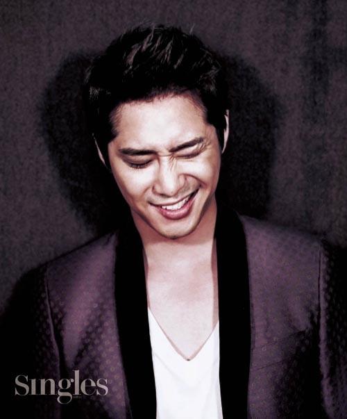 Kang Ji Hwan in Singles Magazine