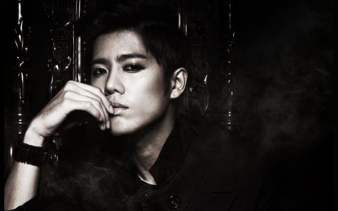 SS501's Kim Kyu Jong Will be Discharged from Military Today