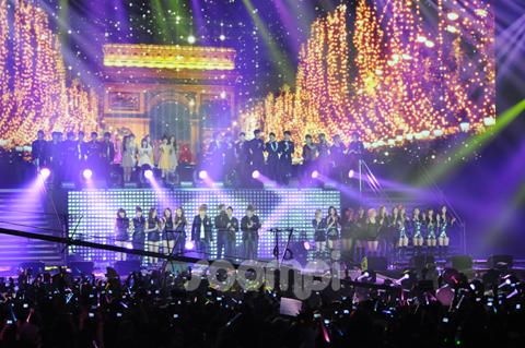 """Music Bank in Paris"" Leaves European Fans Wanting More"