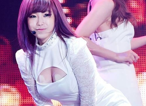 "Secret's Hyosung: ""Too Old to Act Cute"""