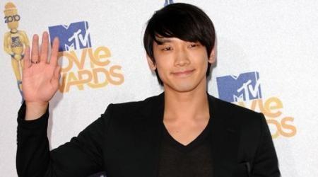 Rain Wins At MTV Movie Awards