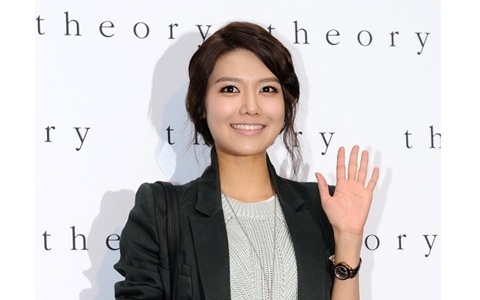 Girls' Generation's Sooyoung Attends Theory Brand Opening Event