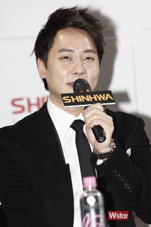 """Shinhwa Andy's Shocking Confession, """"I Couldn't Sleep Without Soju and Aspirin"""""""