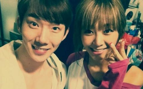 Jo Kwon and G.NA Snap an Endearing Photo Together