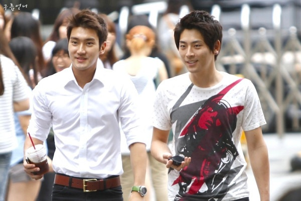 Kim Jung Hoon is the Prince Manager of Super Junior