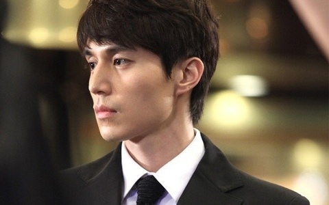 Lee Dong Wook Has a Crush on Tae Yeon
