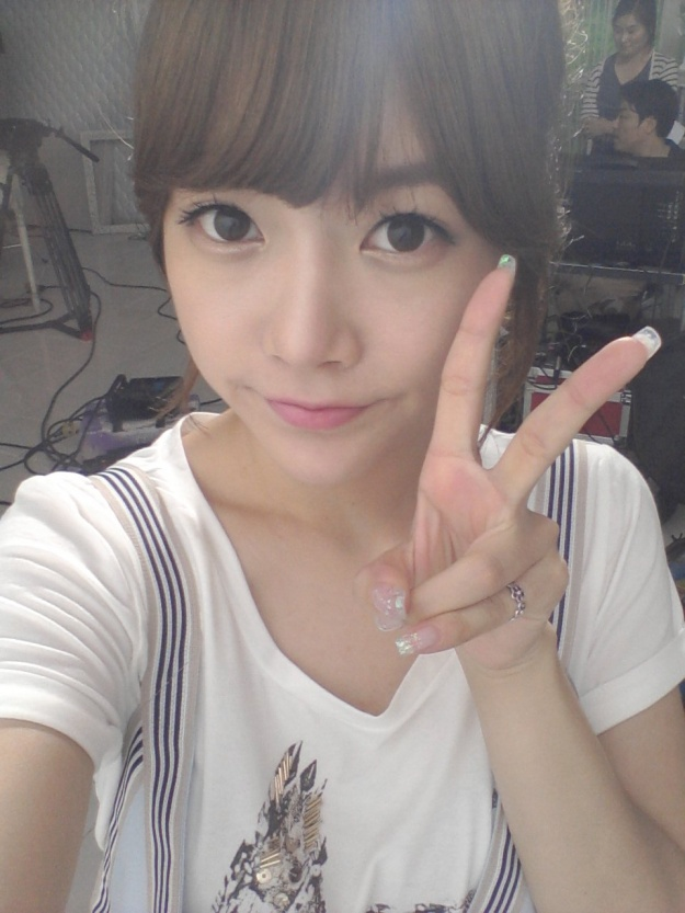 T-ara Soyeon Miss Pigtail Selca Picture