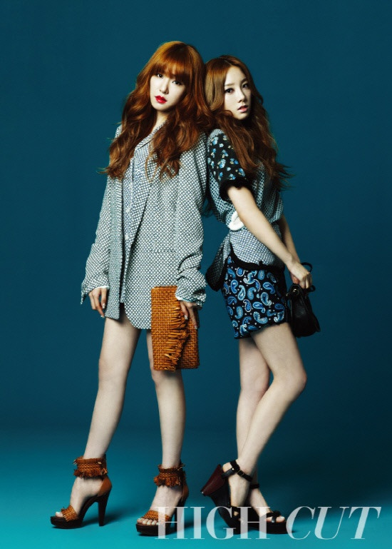 """Girls Generation Taeyeon and Tiffany Pose for """"High Cut"""""""