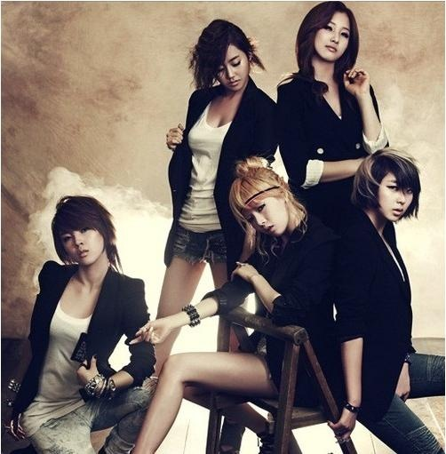 4minute-dress-up-as-vampires_image