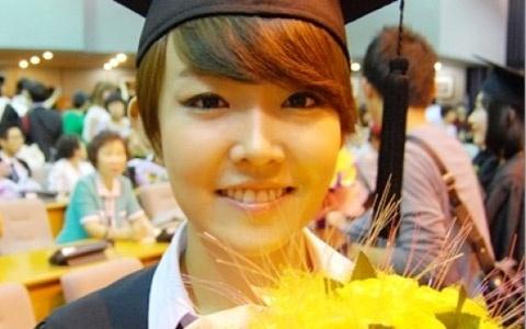 Younha's Exceptional Graduation Ceremony!