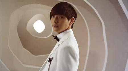 "2AM MV Teaser For ""Like Crazy"""