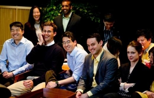 "YG Entertainment Explains ""Familism"" to MIT Students"