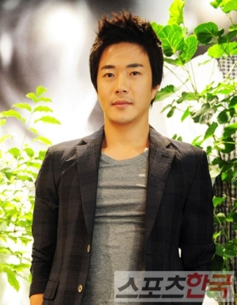 Kwon Sang Woo as the Model of Bazaar Homme in Singapore