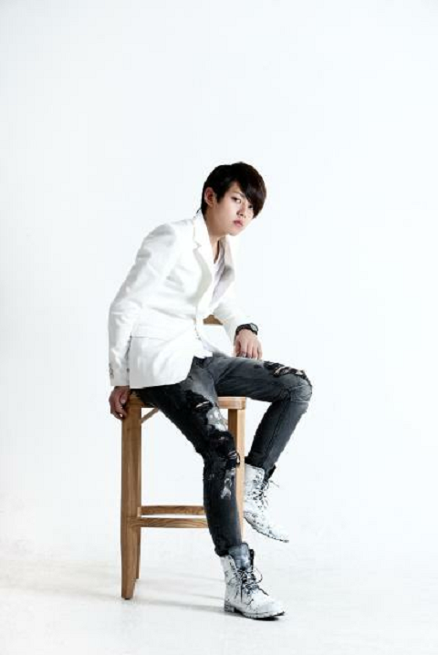ukiss-donghos-new-fierce-look-for-maxim_image