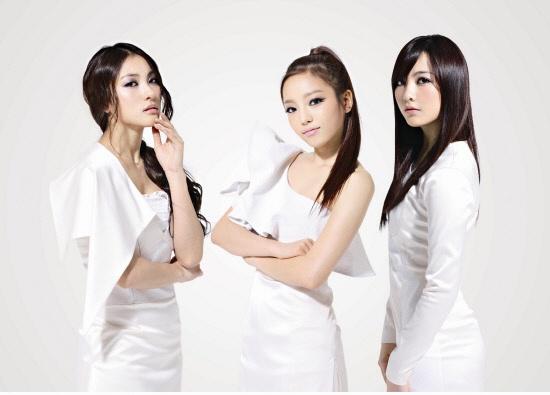 "Kara's Hara, Gyuri, & Jiyoung are Goddesses for ""Nature Republic"""