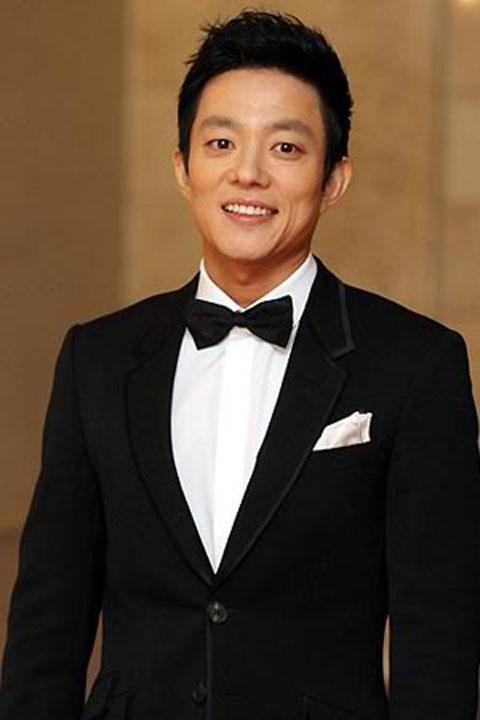 Lee Beom Soo is a Good Samaritan