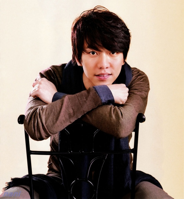 Lee Seung Gi Visits a Brave Little Girl