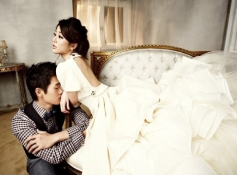 Beautiful Unreleased Photos of Yoo Ji Tae and Kim Hyo Jin's Wedding