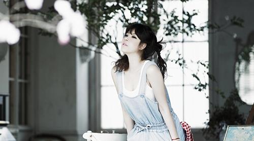 Lyn To Sing Acoustic Medley Of Hit Songs