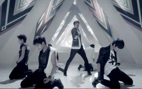 "Infinite Makes Their Inkigayo Comeback With ""Only Tears"" & ""The Chaser"""