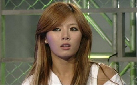 4minute's HyunA Apologizes with Aegyo for Talking Back