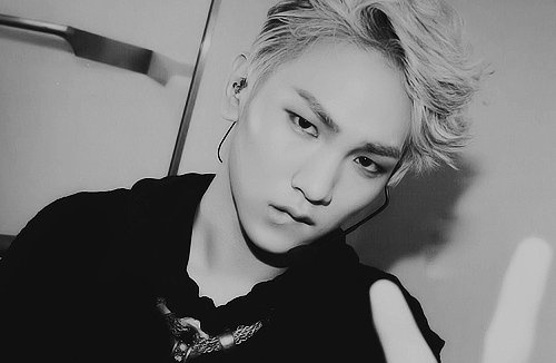 SHINee's Key Reveals Recent Photo of Cute Expressions