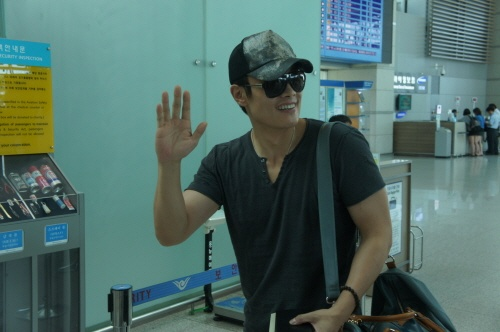Lee Byung Hun Leaves for the U.S. for G.I Joe 2