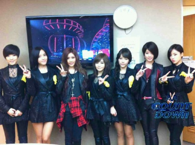 "Mnet ""M! Countdown"" – Jan. 12, 2012"