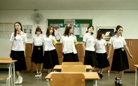 "T-ara Releases MV for ""Roly-Poly in Copacabana"""