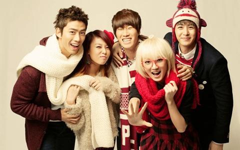 Soompi's 2011 K-Pop Christmas Playlist