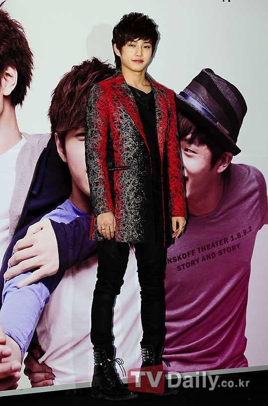 """Shut Up: Flower Boy Band"" Changes Seo Kyung Jong's Character Because of Kim Min Suk"