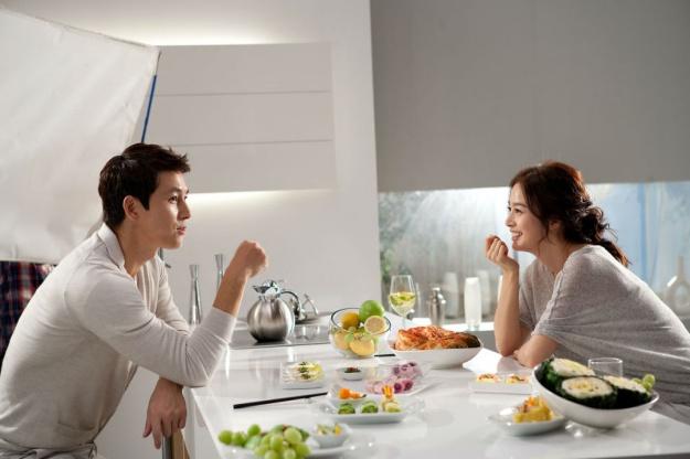 Jung Woo Sung and Kim Tae Hee Endorse LG Refrigerators