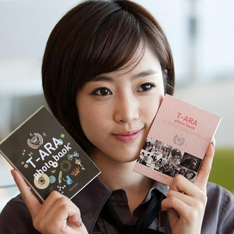 "T-ara's Eunjung Has the ""Most Potential"" in 2012"