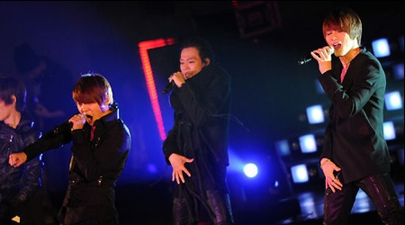 JYJ Begins Their Worldwide Showcase