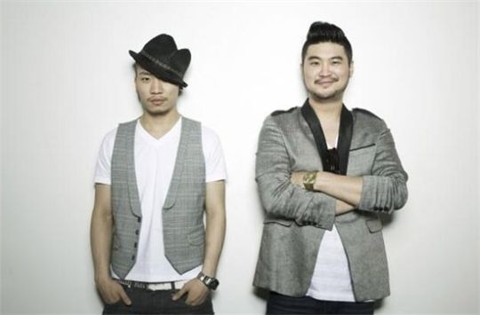 Dynamic Duo's Choiza Garners Attention for His Ballerino Flexibility