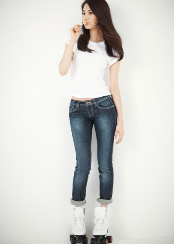 SNSD's Seohyun #1 Idol with a Body that Will Shine Even Only in a White-T and Jeans