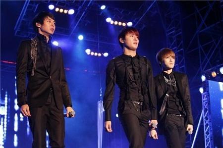 """JYJ Heads to Beijing for """"JYJ World Tour Concert 2011"""""""