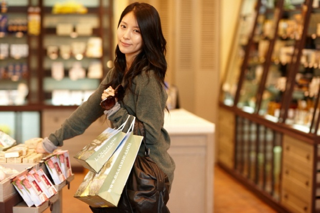 BoA Tweets Her L'Occitane Commercial Making Video