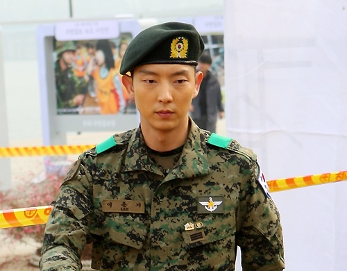 Lee Jun Ki's Fan Meeting on Military Discharge Date Sold Out in 60 Seconds