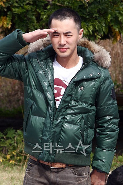 Jun Jin Completes Military Service – Will Shinhwa Comeback Soon?