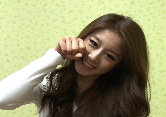 T-ara's Ji Yeon Displays Her Aegyo and Thanks Infinite's Woohyun