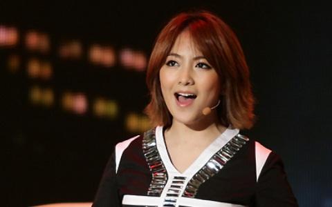 Kara Kang Ji Young's Makeup Free Selca