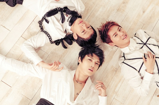 """JYJ's """"In Heaven"""" Reaches 300,000 Pre-Orders on First Day"""