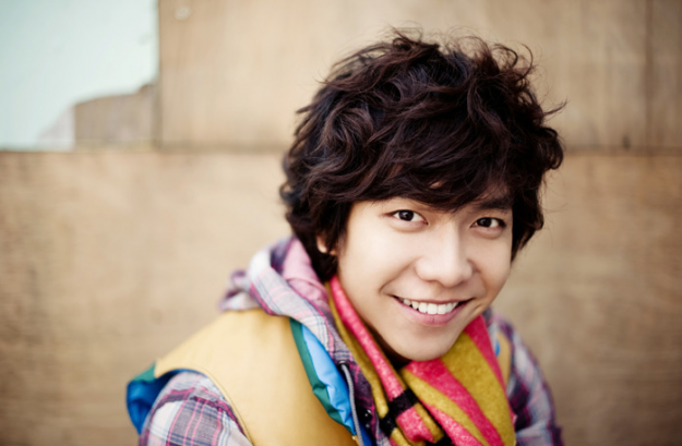 """Lee Seung Gi's New Single """"Alone in Love"""" Is Revealed And Sweeps The Charts"""