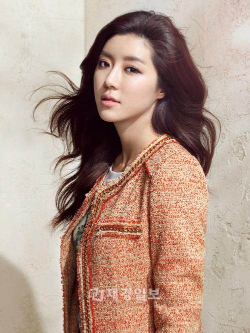 "Park Han Byul's Summer 2012 Photo Shoot for ""BLU PEPE"""