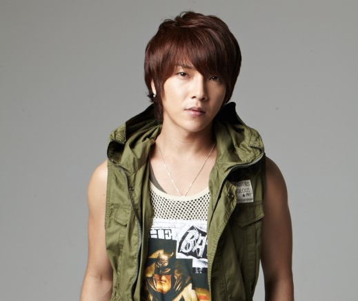 Supernova's Yunhak to Enlist in the Army