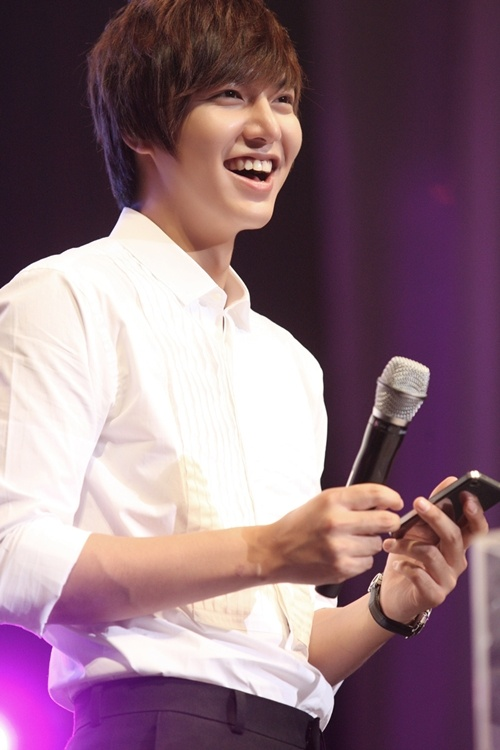 Lee Min Ho Continues to Rule Chinese TV Ratings
